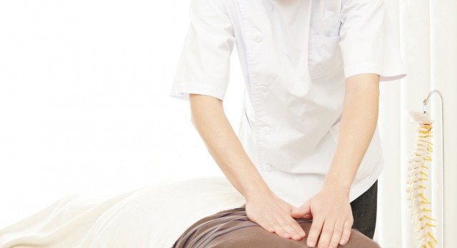 ぎっくり腰治療で一般的に行われるマッサージ